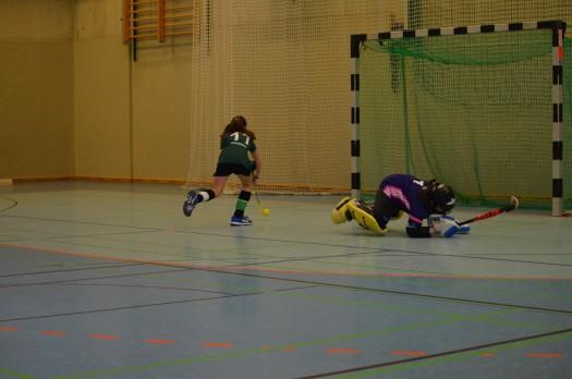 Penalty, eine Nervensache - hier rechts angetäuscht und dann links vorbei - Tor.